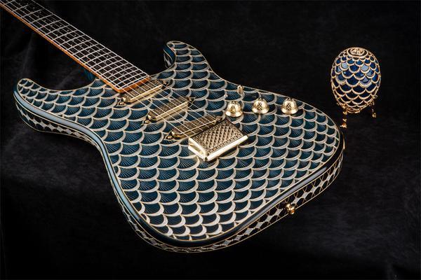 Fender-Pine-Cone-Stratocaster-Faberge_grande