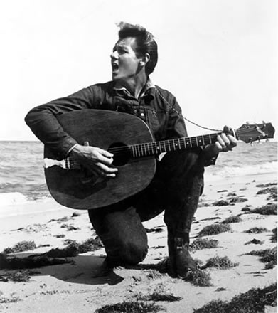 Beach-Singer